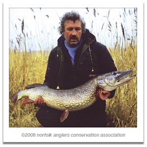 A wonderful Norfolk memory:Tony's Thurne pike of 32 lbs 1 oz